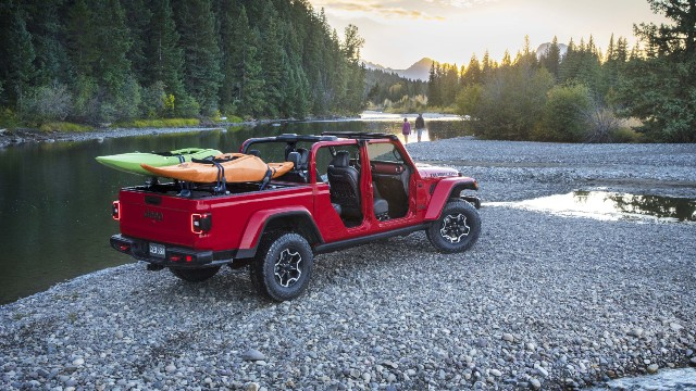 2021 Jeep Gladiator Convertible roof