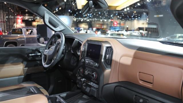 2021 Chevrolet Silverado HD interior