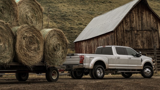 2021 Ford F-350 towing
