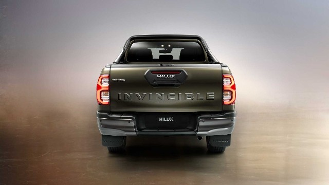2021 Toyota Hilux rear
