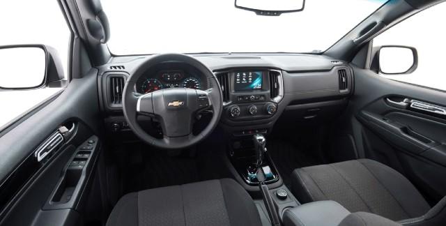 2021 Chevrolet S10 interior