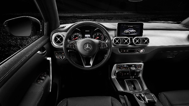 2021 Mercedes X-Class interior