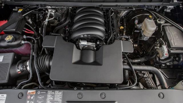 2021 Chevy Cheyenne engine