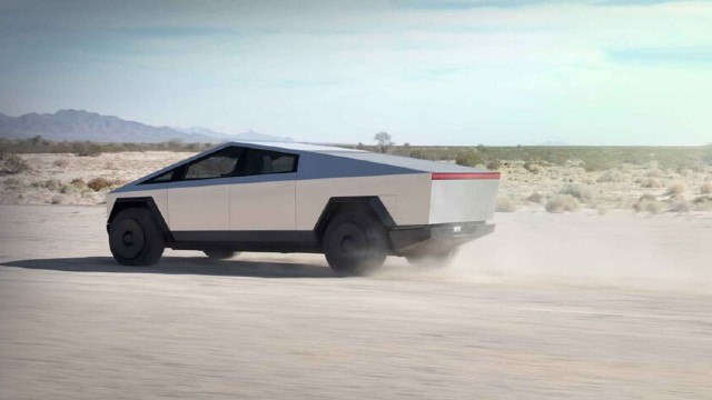 2022 Ford F-150 EV competition