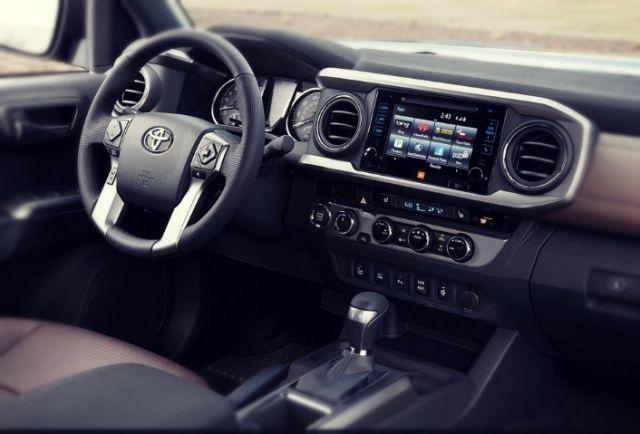 2022 Toyota Tundra interior