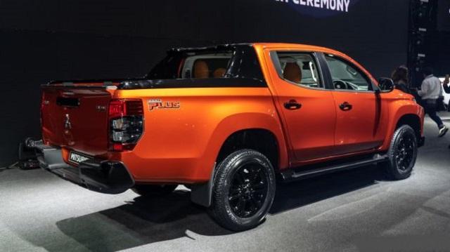 2022 Mitsubishi Triton rear