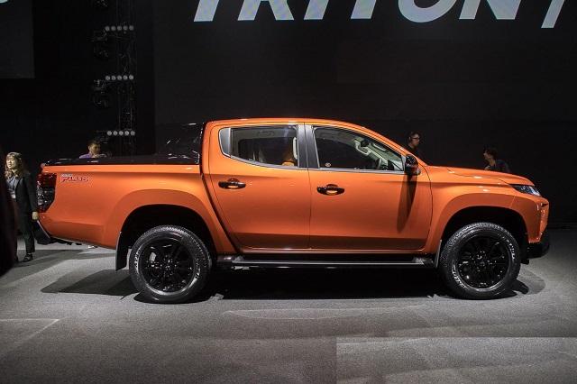 2022 Mitsubishi Triton side