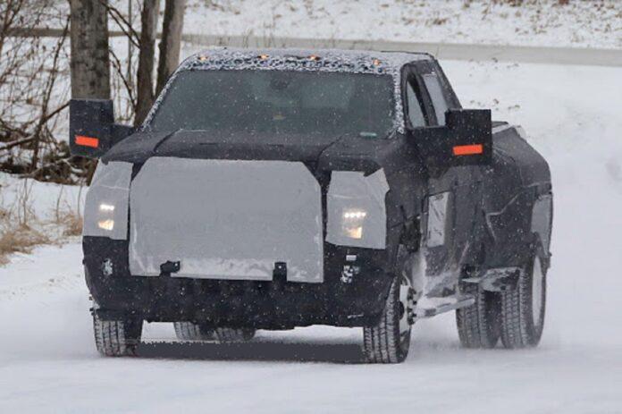 2022 Chevrolet Silverado 3500HD front