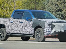 2022 Ford F-150 Lightning front