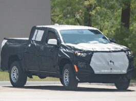 2023 Chevrolet Colorado front