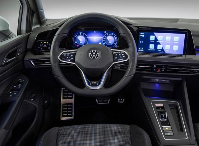 2023 VW Amarok interior